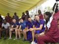 Игроки Эвертона посетили совет африканского племени Масаи
