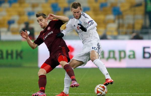 Андрей Ярмоленко против игрокаОльборга