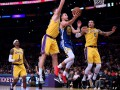 НБА: Лейкерс разгромно проиграл Голден Стейт, Оклахома расправилась с Нью-Йорком