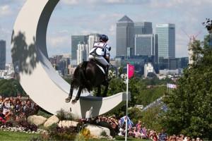 Первые медали разыграют представители конного спорта