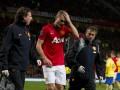 Защитник МЮ попал в больницу после игры с Арсеналом (ФОТО, ВИДЕО)