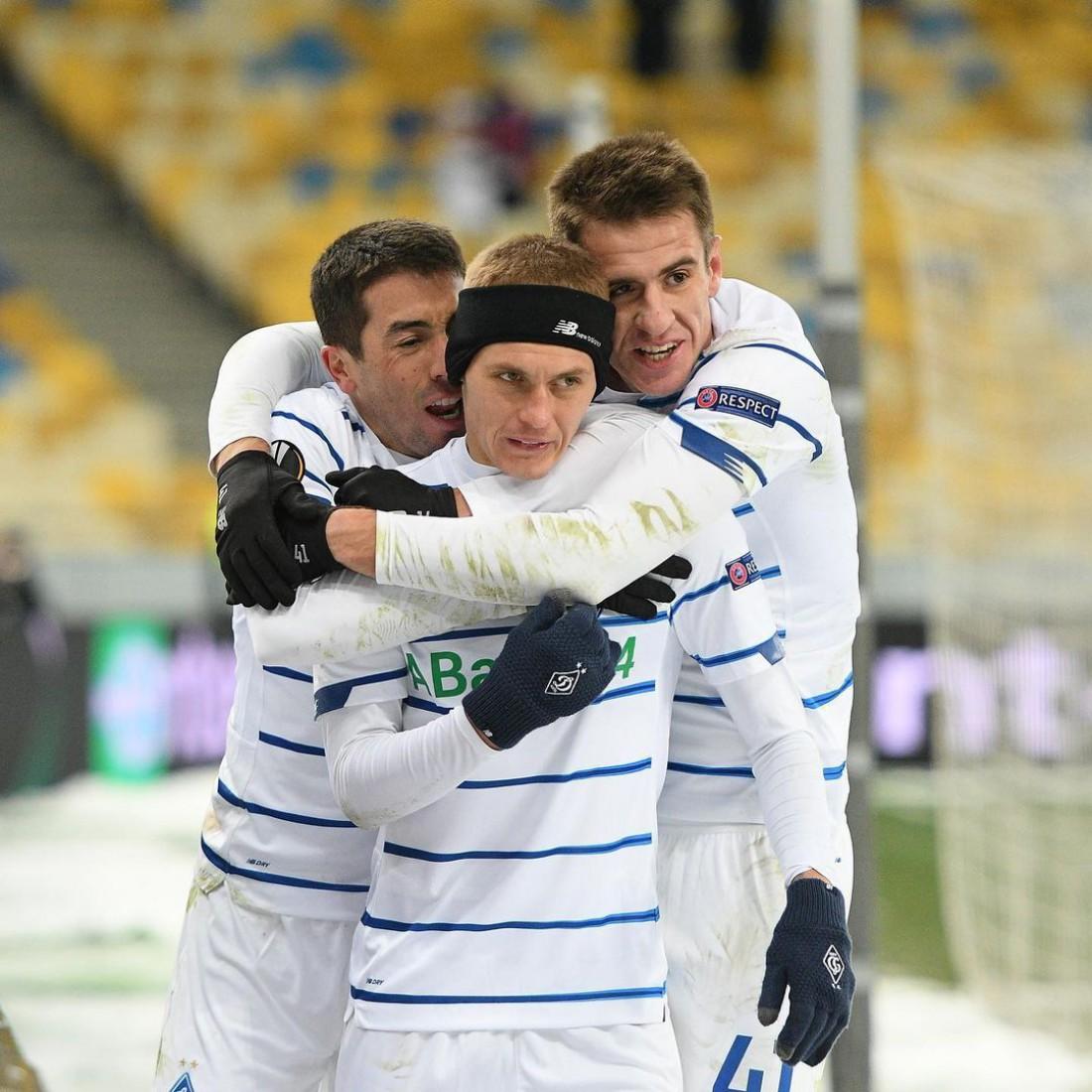 Виталий Буяльский празднует гол в ворота Брюгге