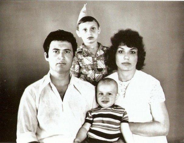 Владимир Кличко родился, когда его старшему брату Виталию было почти пять лет