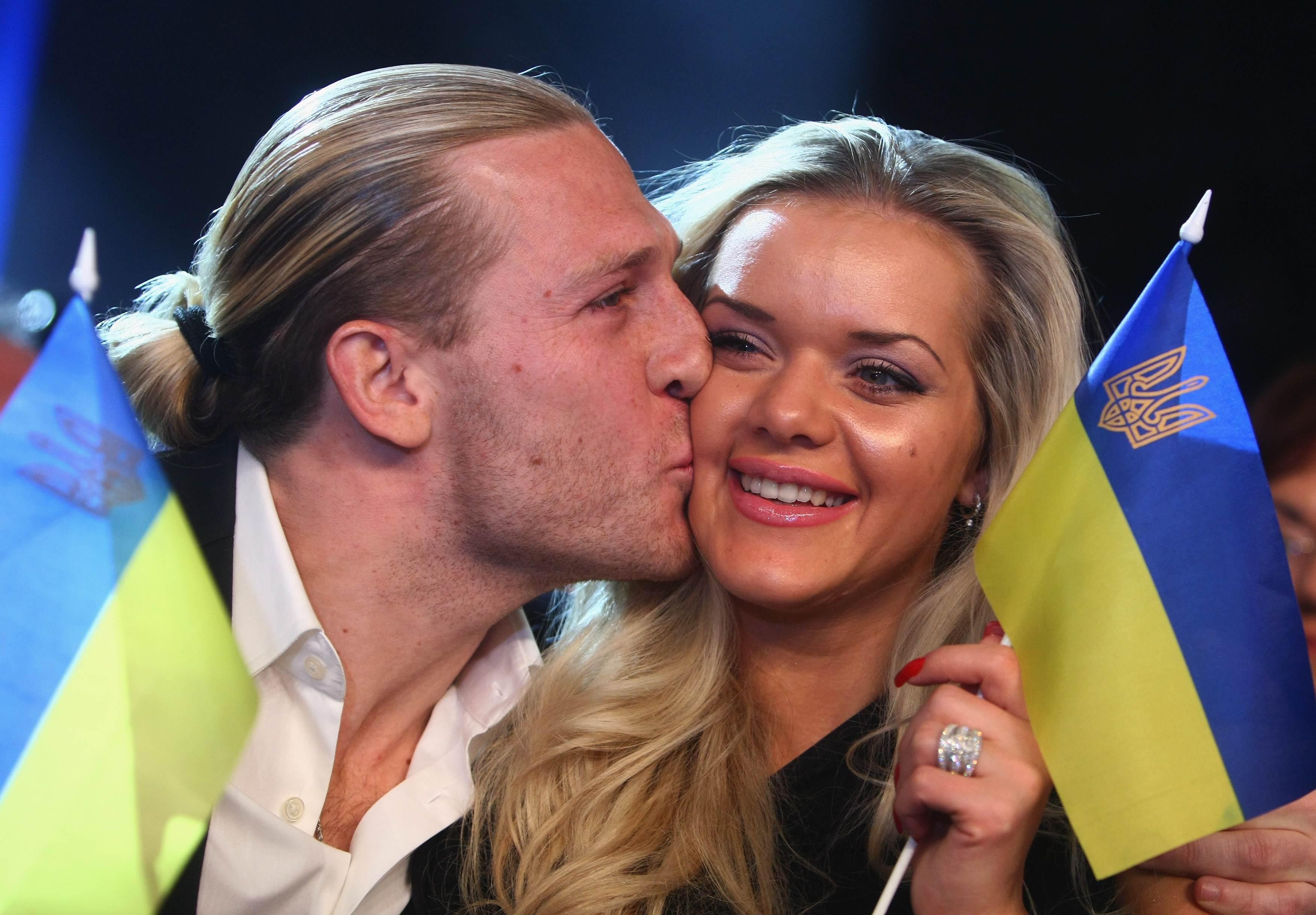 Экс-игрок сборной Украины Андрей Воронин с супругой Юлией