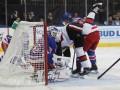 НХЛ: Оттава разгромила Рейнджерс, Сент-Луис по буллитам уступил Чикаго
