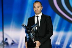 Полузащитник Барселоны Андрес Иньеста признан журналистами Лучшим футболистом Европы-2012
