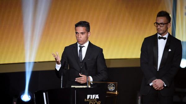 Лира забил лучший гол 2015 года
