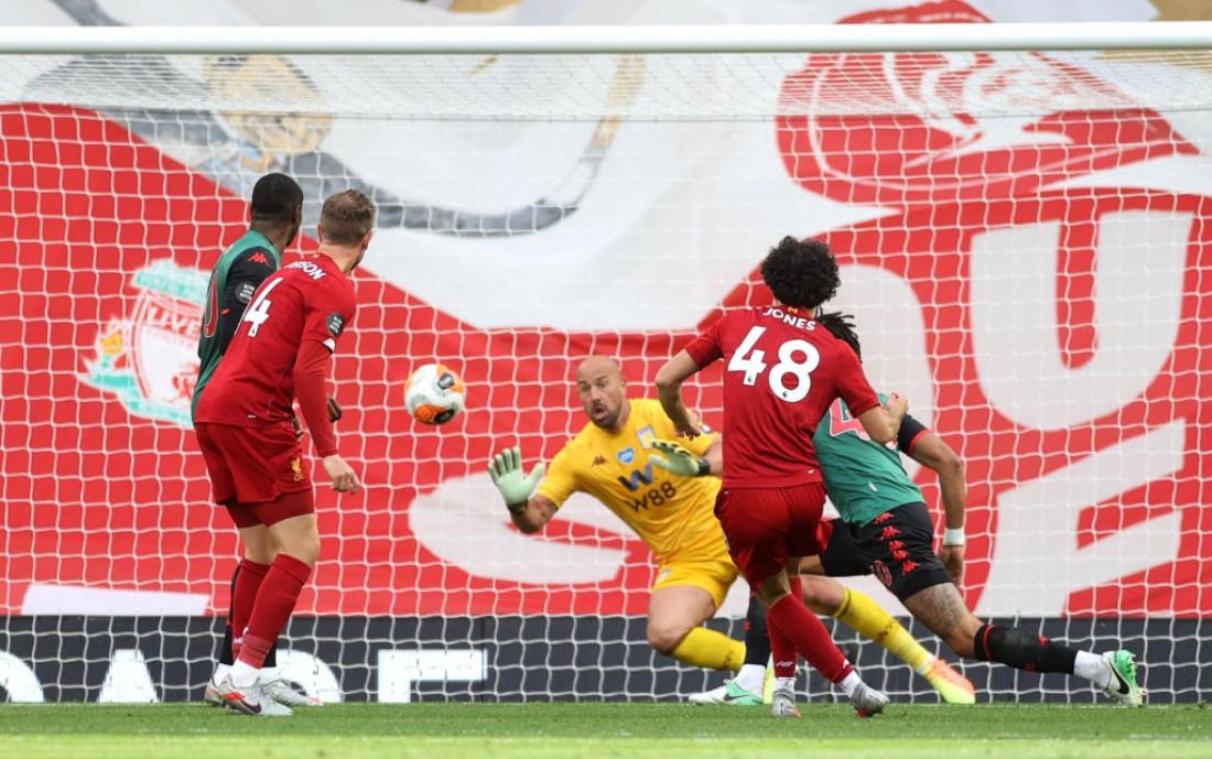 Ливерпуль - Астон Вилла: фото с матча
