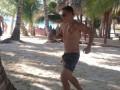 Кобин отобрал мяч у отдыхающих и показал им украинский дриблинг