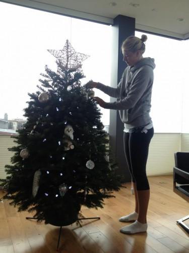 Вот такая елка у Маши Шараповой