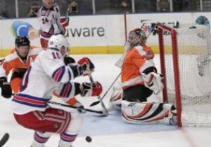 NHL: Рейнджеры унизили Филадельфию