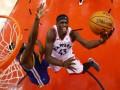 Отличный данк Томпсона и шикарный блок-шот Сиакама - среди лучших моментов дня НБА