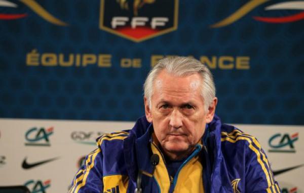 Фоменко продолжит тренировать сборную Украины