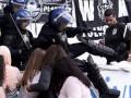 В Португалии футбольные фанаты устроили драку с полицией
