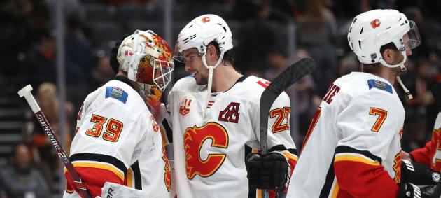 НХЛ: Калгари разгромил Анахайм, Миннесота по буллитам уступила Рейнджерсу