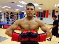 Украинский боксер Сергей Деревянченко победил очередного соперника