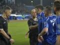 В Румынии игрок плюнул в фанатов после скандального поражения команды