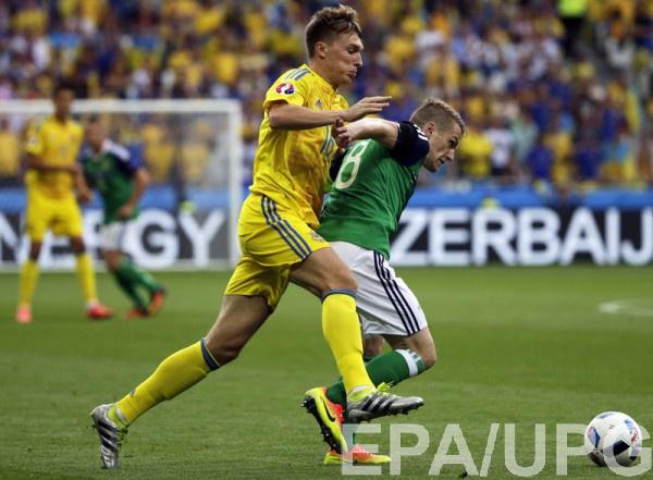 Сергей Сидорчук в матче с Северной Ирландией