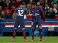 Неймар поздравил Алвеса с тем, что он стал самым титулованным футболистом в истории