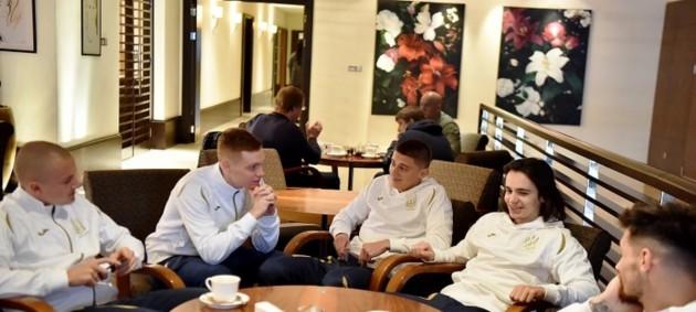 Сборная Украины начала подготовку к ближайшим матчам
