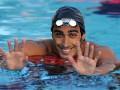 Итальянский пловец спас жизнь гею, упавшему в воду с надувного единорога