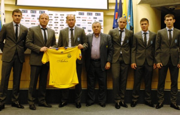 Яковенко представил нового технического спонсора молодежки - Arber