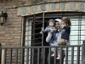Суарес вышел к фанатам вместе со своими детьми (фото)