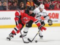 НХЛ: Каролина разгромила Питтсбург, Тампа уступила Вегасу