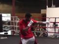 Бой с тенью: Видео тренировки Амира Хана