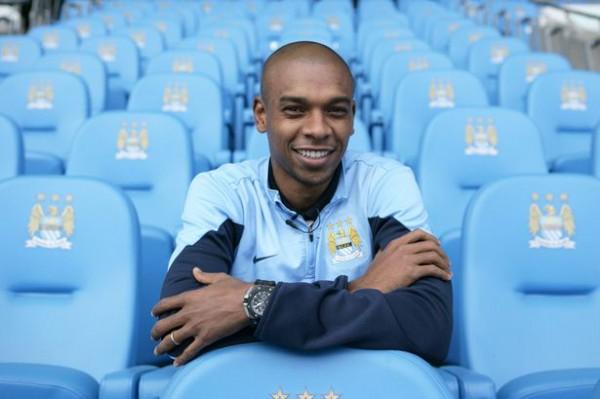Фернандиньо хочет выиграть с Манчестер Сити Лигу чемпионов
