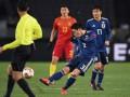 Невероятный гол японца с центра поля, который принес его команде победу