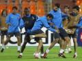 Барселона намерена усилить линию обороны
