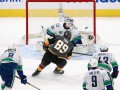 Кубок Стэнли: Бостон обыграл Тампу, Вегас уничтожил Ванкувер