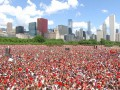 Поздравить Чикаго с завоеванием Кубка Стэнли пришло 2 млн человек (ФОТО)