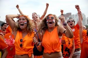 Болельщицы сборной Нидерландов