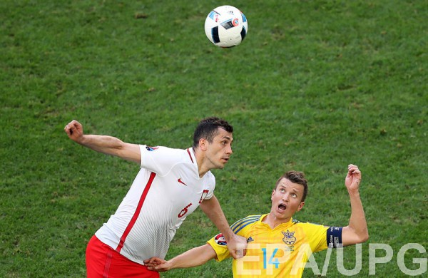 Руслан Ротань в матче с Польшей