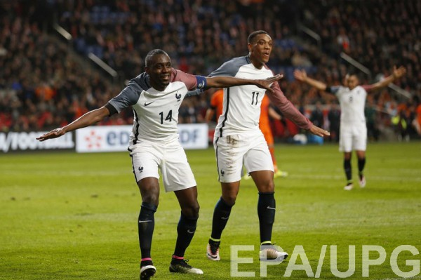 Франция трижды забила Голландии