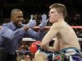 Арум: Я бы посоветовал Хаттону не возвращаться в бокс