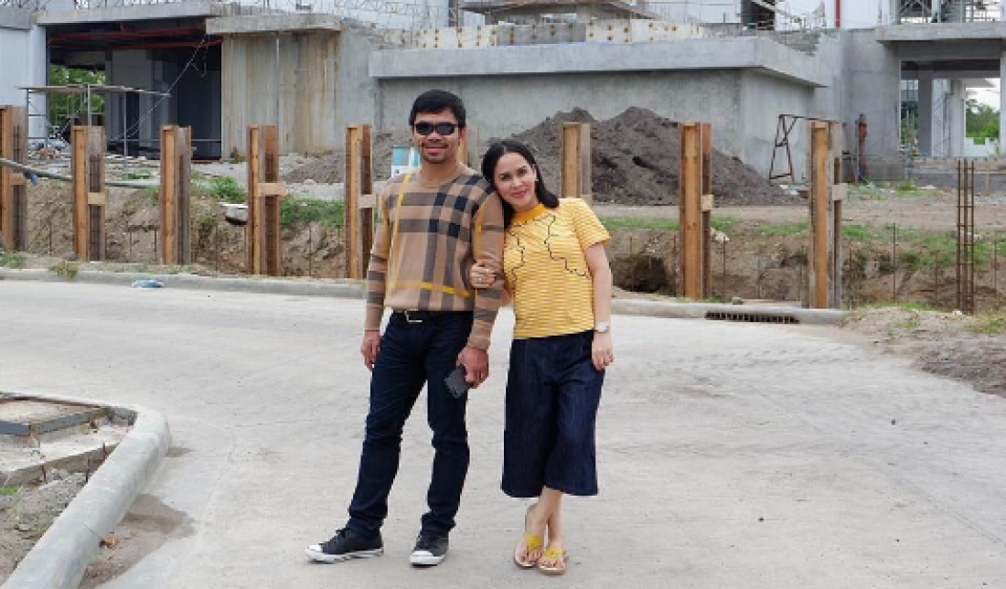 Мэнни Пакьяо с женой