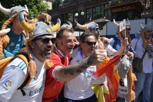 Финал Лиги чемпионов в Киеве: яркие фото фанатов команд