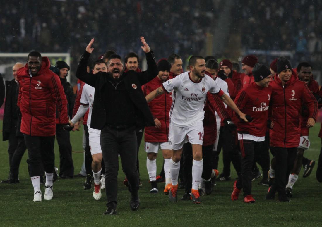 Дженнаро Гаттузо с игроками радуется победе над Лацио