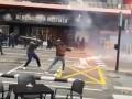 Фанаты Барселоны и Валенсии устроили жестокую драку перед матчем