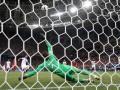 Вратарь сборной Швейцарии забил автогол и попал в историю ЧМ