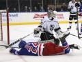 НХЛ: Торонто забросил 6 шайб в ворота Анахайма, Рейнджерс проиграл Лос-Анджелесу