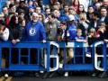Фанаты Челси получили дубинками от испанской полиции в Барселоне