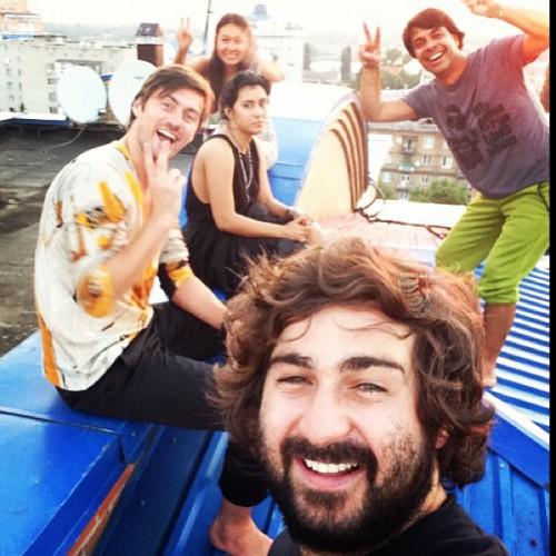 Артем Милевский с друзьями побывали на крыше у Валида Арфуша