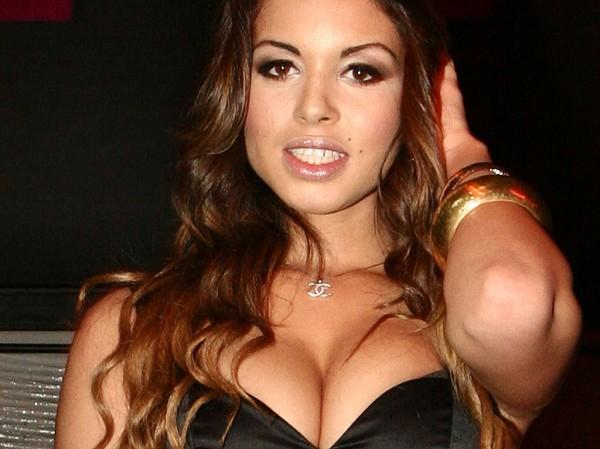 Эта девушка привела Берлускони в тюрьму