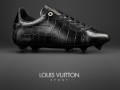 Обувь для гопников: В чем бы играли в футбол типочки с Троещины
