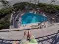 Экстремал спрыгнул с пятого этажа отеля в бассейн
