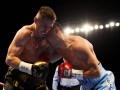 Казахстанец Жакиянов проиграл Барнетту в бою за титулы WBA и IBF